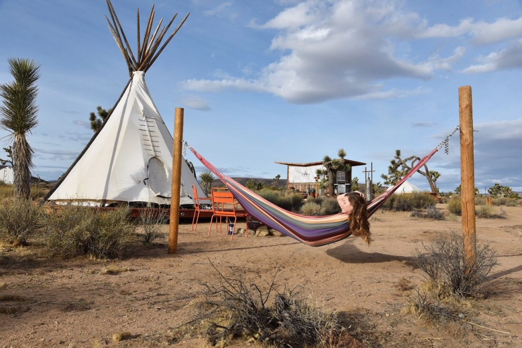 Joshua-Tree-tipis-on-airbnb