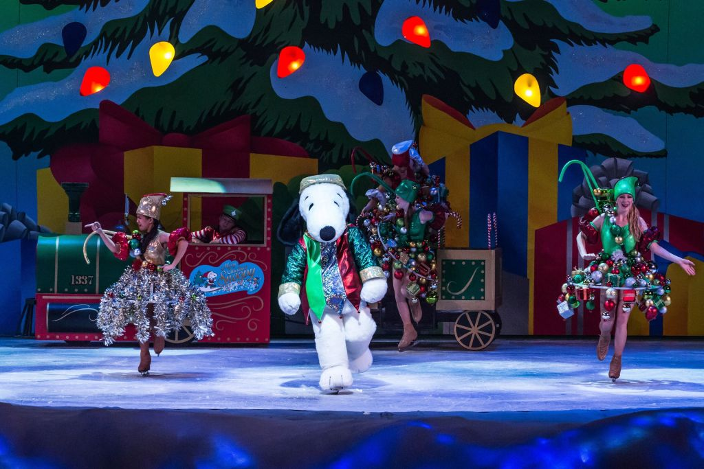 Snoopy Ice Show at Knott's Merry Farm
