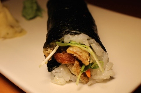salmon skin hand roll at Wokcano
