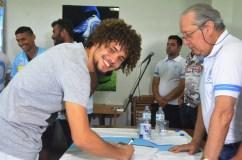 JPFC_Apresentação do elenco_21-01-2017_Goleiro Daniel assina contrato_Foto Chico Limeira (6)