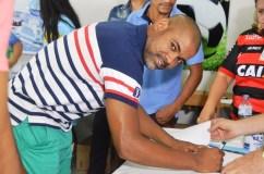 JPFC_Apresentação do elenco_21-01-2017_Jogador Rincón assina contrato_Foto Chico Limeira (5)