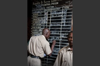 Pademba Road Prison é a prisão de Segurança máxima de Serra Leoa. Na prisão os guardas andam desarmados e ali estão presas mais de 30 crianças entre uma população de 1,300 presidiários.