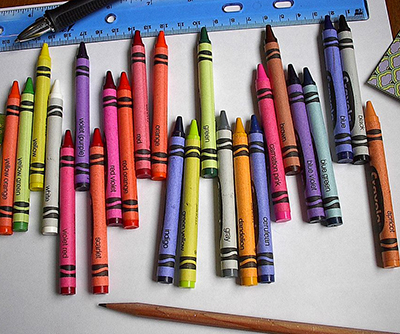 Crayons. Photo: George Hernandez [CC BY-SA 3.0 (http://creativecommons.org/licenses/by-sa/3.0/)]