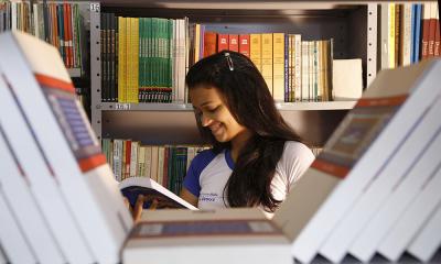 Professora dá dicas de como conservar bem os livros