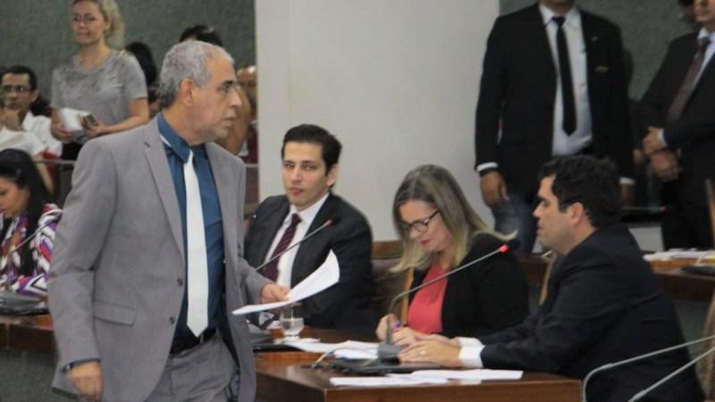 Deputado avalia que os trabalhadores do Estado não são culpados pela situação financeira atual