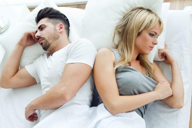 Viver com um homem equivale a sete horas extras de trabalho para a mulher