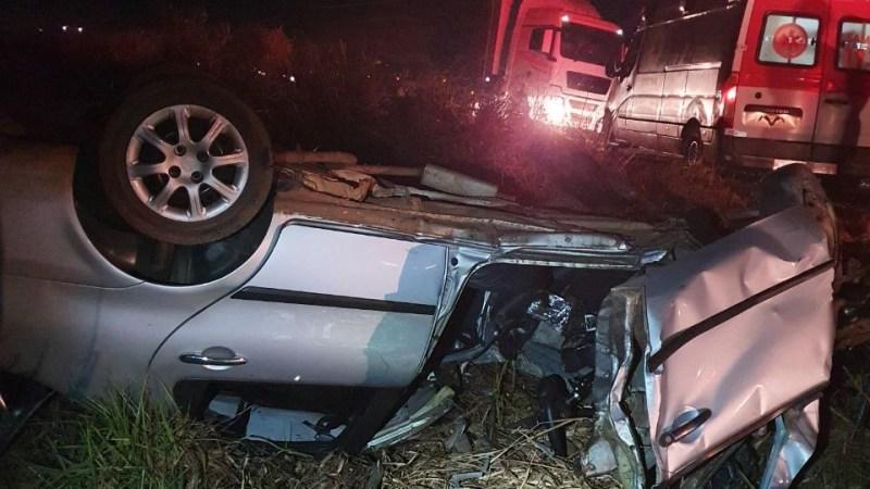 Acidente grave mata duas pessoas e deixa outra ferida na BR 153, em Araguaína