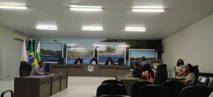 Vereadores de Peixe recebem pedido de processo de impeachment contra prefeito