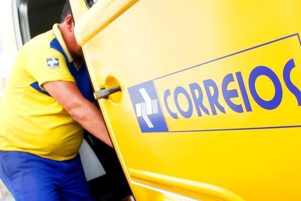 Correios lança selo em homenagem à integração do Submarino Tonelero
