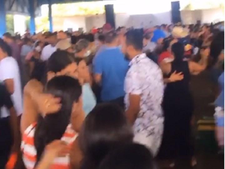 Prefeito e vereadores de Aliança serão investigados por promoverem aglomeração em evento que comemorava vitória dos candidatos eleitos