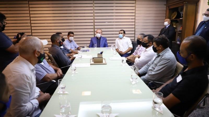 Valdemar Júnior promove encontro entre prefeitos e governador em busca de apoio aos municípios
