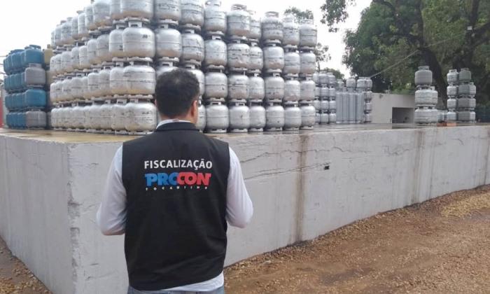 Procon divulga pesquisa de preço do gás de cozinha em dez municípios do Estado; Araguaína tem maior valor