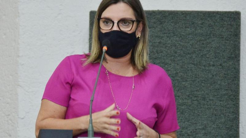 Requerimento de deputada tocantinense pede vacina aos profissionais da imprensa