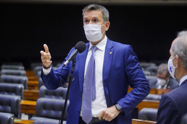 Câmara aprova mudanças no projeto de socorro ao setor de eventos; texto segue para sanção