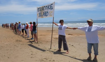 Hands Across the Sand on the Lifeguard Beach 2015. Photo by C. Leinbach