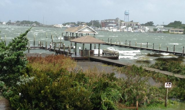 Ruth Fordon captured this shot of windy Silver Lake.