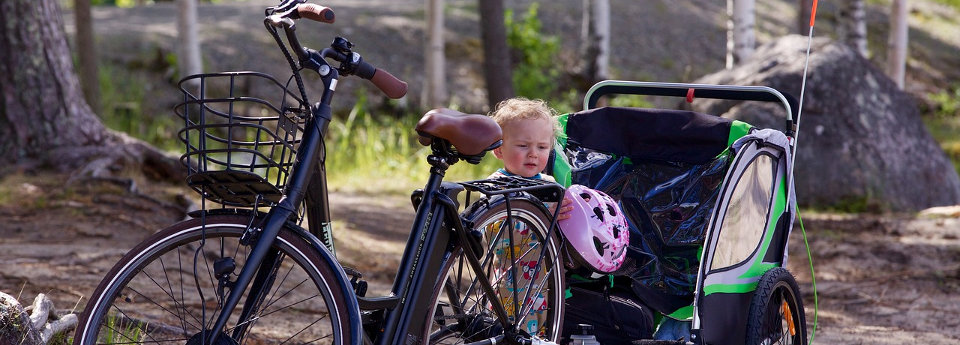 image: Cycle with baby trailer