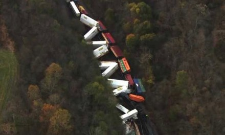 Train derails in Pennsylvania