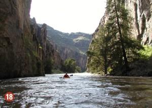 Kayak in Bruneau Canyon