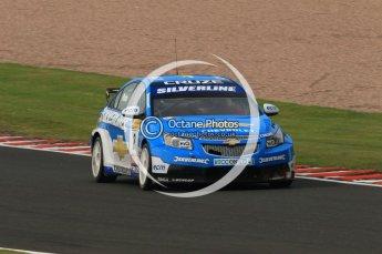 © Octane Photographic Ltd. 2010. British Touring Car Championship – Oulton Park. Saturday 5th June 2010. Digital Ref : 0125CB1D1036