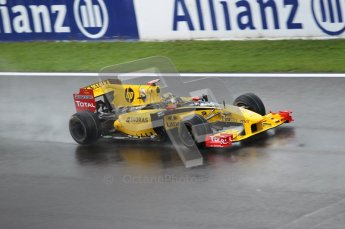 © Octane Photographic 2010. 2010 F1 Belgian Grand Prix, Friday August 27th 2010. Renault R30 - Robert Kubica. Digital Ref : CB1D0841