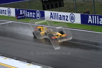 © Octane Photographic 2010. 2010 F1 Belgian Grand Prix, Friday August 27th 2010. Renault R30 - Robert Kubica. Digital Ref : LW7D0160