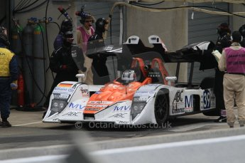 2010 Le Mans, Sunday June 13th 2010. Pitlane. Digital Ref : CB7D5717
