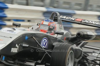 © Octane Photographic 2011 – British Formula 3 - Donington Park - Race 2. 25th September 2011. Digital Ref : 0186lw1d6602