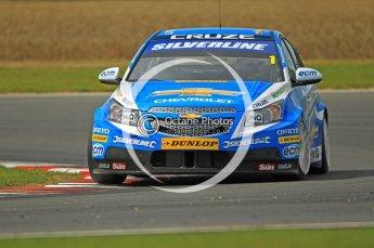 © Octane Photographic Ltd. 2011. British Touring Car Championship – Snetterton 300. Sunday 7th August 2011. Digital Ref : 0124CB1D4291