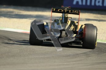 © Octane Photographic Ltd. 2011. Formula 1 World Championship – Italy – Monza – 9th September 2011 – Bruno Senna - Renault R31, Free practice 1 – Digital Ref : 0173CB1D1838