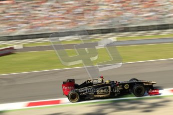 © Octane Photographic Ltd. 2011. Formula 1 World Championship – Italy – Monza – 9th September 2011 – Bruno Senna - Renault R31, Free practice 1 – Digital Ref : 0173CB7D6009