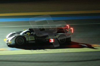 © Octane Photographic 2011. Le Mans night qualifying 9th June 2011. La Sarthe, France. Digital Ref : 0077CB1D0952