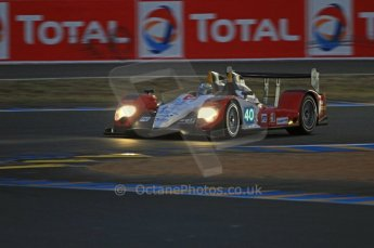 © Octane Photographic 2011. Le Mans night qualifying 9th June 2011. La Sarthe, France. Digital Ref : 0077CB7D0570