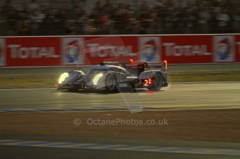 © Octane Photographic 2011. Le Mans night qualifying 9th June 2011. La Sarthe, France. Digital Ref : 0077CB7D0663