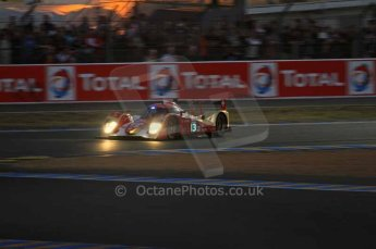 © Octane Photographic 2011. Le Mans night qualifying 9th June 2011. La Sarthe, France. Digital Ref : 0077LW7D4772