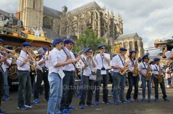 © Octane Photographic 2011. Le Mans Drivers' parade, 10th June 2011. Digital Ref : 0078CB1D1135