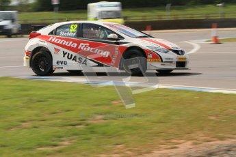 © Octane Photographic Ltd. BTCC - Round Two - Donington Park - Race 1. Sunday 15th April 2012. Gordon Shedden, Honda Civic, Honda Yuasa Racing Team. Digital ref : 0295lw7d3833