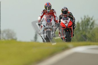 © Octane Photographic Ltd 2012. World Superbike Championship – European GP – Donington Park, Sunday 13th May 2012. Race 2. Jonathan Rea and Max Biaggi. Digital Ref : 0337cb1d5498