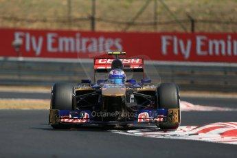 World © Octane Photographic Ltd. F1 Hungarian GP - Hungaroring, Saturday 27th July 2013 - Practice 3. Scuderia Toro Rosso STR 8 - Daniel Ricciardo. Digital Ref : 0763lw1d3308