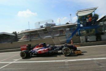 World © Octane Photographic Ltd. F1 Italian GP - Monza, Saturday 7th September 2013 - Qualifying. Scuderia Toro Rosso STR 8 - Daniel Ricciardo. Digital Ref :