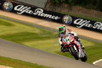 World © Octane Photographic Ltd. World Superbikes (SBK) European GP – Donington Park – Qualifying Practice. Althea Racing – Aprilia RSV4 Factory – Davide Giugliano. Saturday 25th May 2013. Digital Ref :