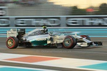 World © Octane Photographic Ltd. 2014 Formula 1 Abu Dhabi Grand Prix, F1 Qualifying, Saturday 22nd November 2014. Mercedes AMG Petronas F1 W05 - Nico Rosberg. Digital Ref : 1166CB1D8230
