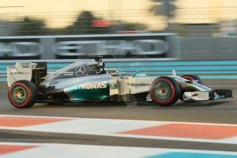 World © Octane Photographic Ltd. 2014 Formula 1 Abu Dhabi Grand Prix, F1 Qualifying, Saturday 22nd November 2014. Mercedes AMG Petronas F1 W05 - Lewis Hamilton. Digital Ref : 1166CB1D8244