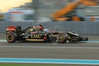 World © Octane Photographic Ltd. 2014 Formula 1 Abu Dhabi Grand Prix, F1 Qualifying, Saturday 22nd November 2014. Lotus F1 Team E22 – Romain Grogjean. Digital Ref : 1166CB1D8257