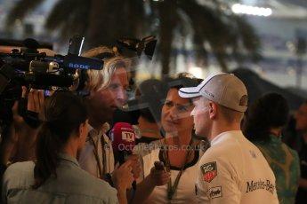 World © Octane Photographic Ltd. 2014 Formula 1 Abu Dhabi Grand Prix, F1 Qualifying, Saturday 22nd November 2014. McLaren Mercedes - Kevin Magnussen. Digital Ref : 1166LB1D1448