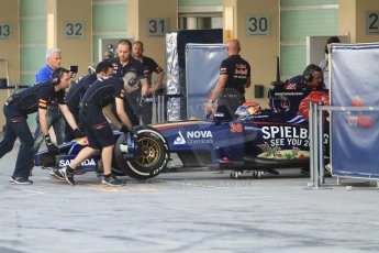 World © Octane Photographic Ltd. Tuesday 25th November 2014. Abu Dhabi Testing - Yas Marina Circuit. Scuderia Toro Rosso STR9 – Max Verstappen. Digital Ref: 1174CB7D8817