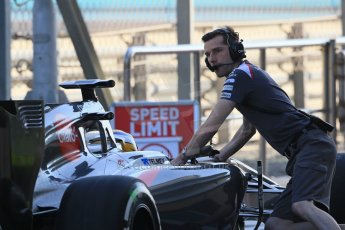 World © Octane Photographic Ltd. Tuesday 25th November 2014. Abu Dhabi Testing - Yas Marina Circuit. Sauber C33 – Marcus Ericsson. Digital Ref: 1174LB1D7842