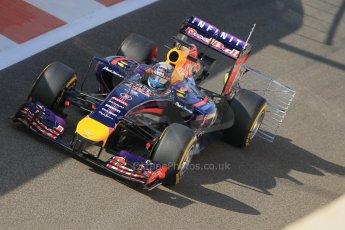 World © Octane Photographic Ltd. Wednesday 26th November 2014. Abu Dhabi Testing - Yas Marina Circuit. Infiniti Red Bull Racing RB10 – Daniel Ricciardo. Digital Ref: 1175CB1D8844
