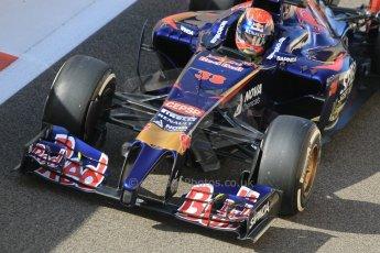 World © Octane Photographic Ltd. Wednesday 26th November 2014. Abu Dhabi Testing - Yas Marina Circuit. Scuderia Toro Rosso STR 9 – Max Verstappen. Digital Ref: 1175CB1D8929