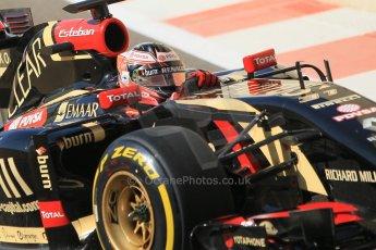 World © Octane Photographic Ltd. Wednesday 26th November 2014. Abu Dhabi Testing - Yas Marina Circuit. Lotus F1 Team E22 – Esteban Ocon. Digital Ref: 1175CB1D9075
